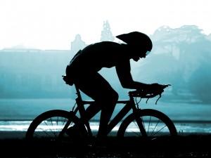 triathlon-training-biker